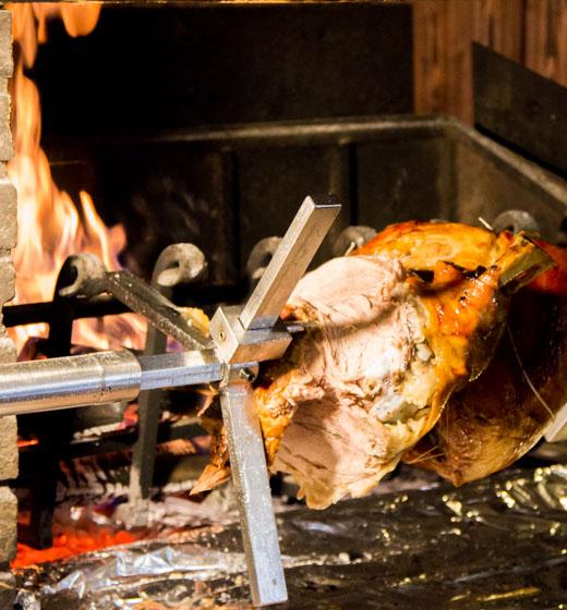 carne allo spiedo rifugio campomulo