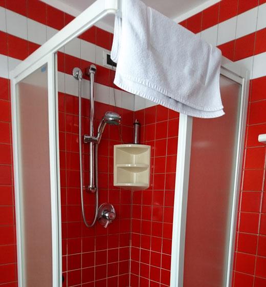 doccia camera rifugio campomulo